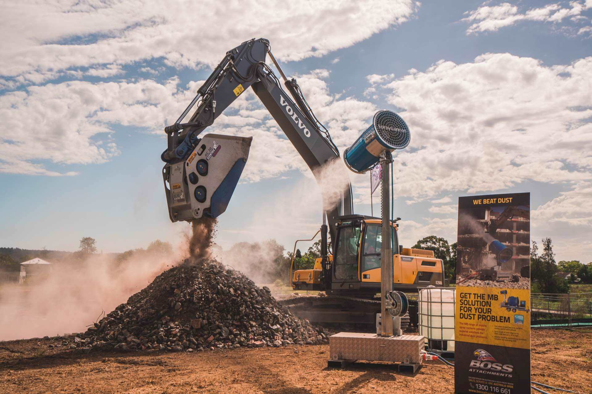 The Boss Demo site with Xcentric Crusher and MB Dust Cannon in operation